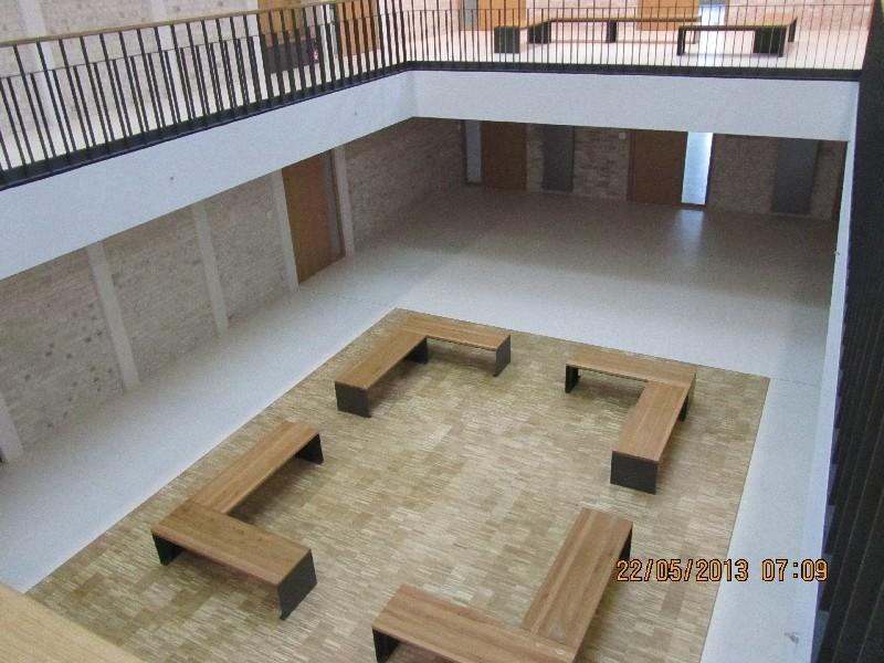 Riedberg_Gymnasium_Atrium.JPG