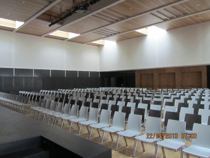 Riedberg_Gymnasium_Aula.JPG