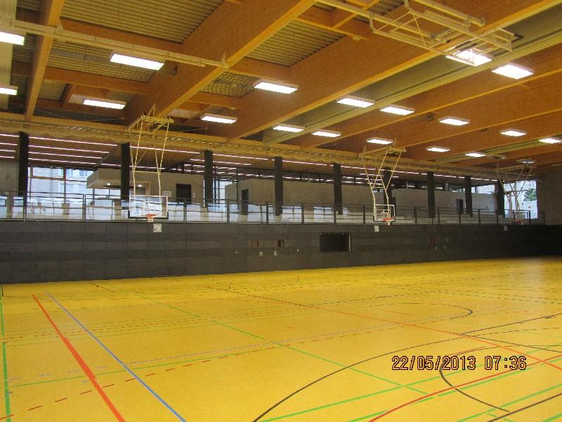 Riedberg_Gymnasium_Sporthalle.JPG